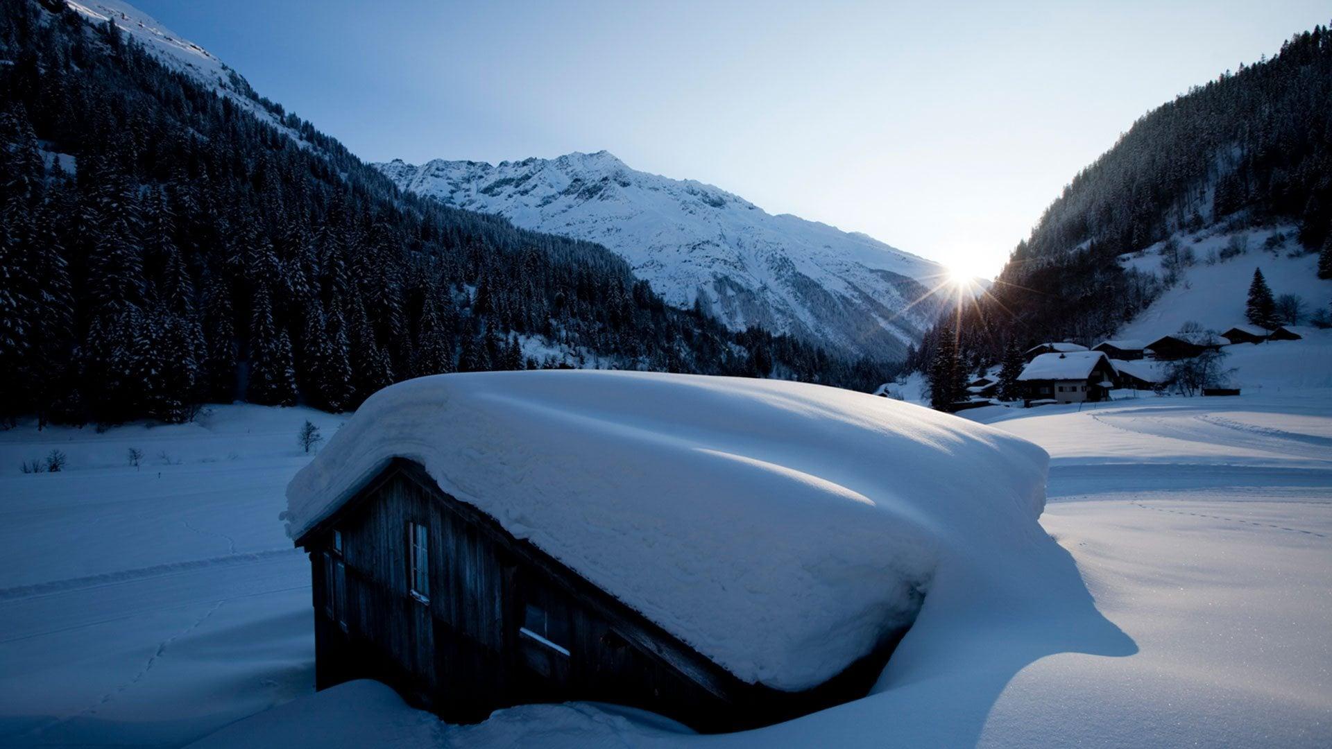 Neu- und Vollmondwanderungen im Gadmental: Geniessen Sie die winterliche Stille.