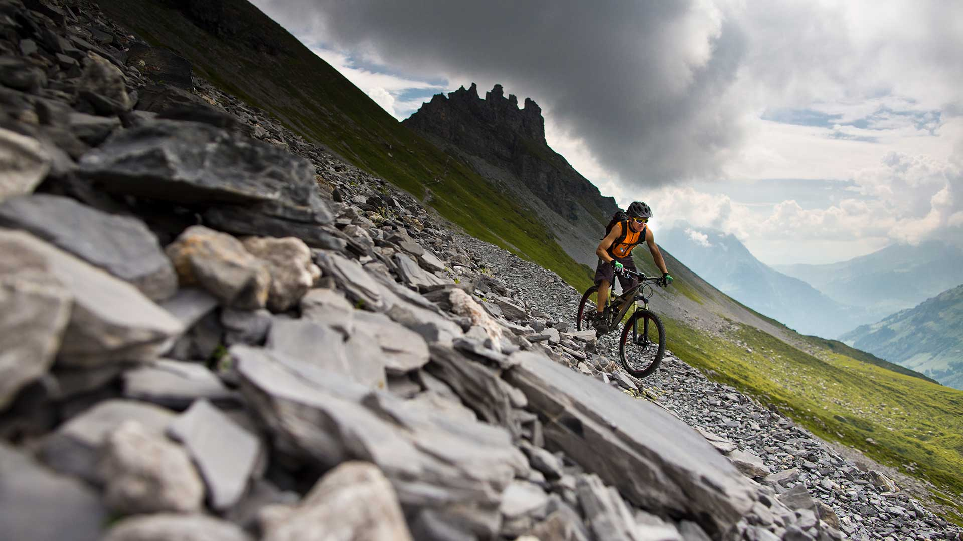 Unterwegs an der Engstlenalp: zum Beispiel mit dem Mountainbike.