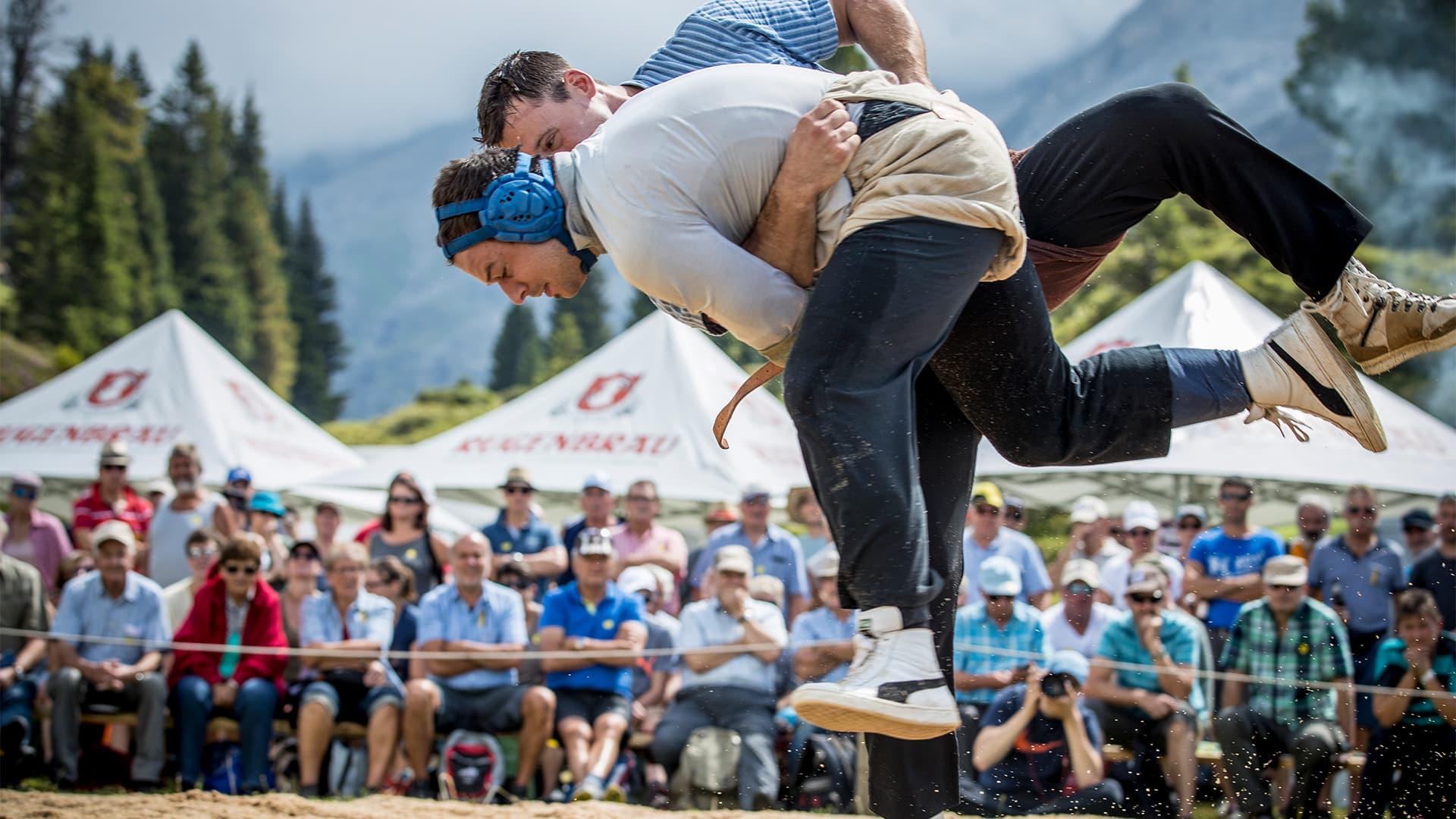 Schwingfest Engstlenalp Schwingen by Divid Birri